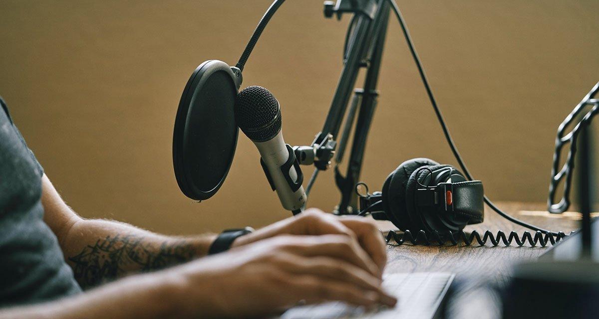 Android के लिए सर्वश्रेष्ठ ऑडियो संपादक अपने पॉडकास्ट को काटें और माउंट करें